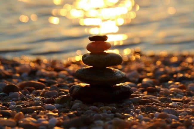 Sự khác biệt giữa vi diệu pháp và duy thức luận